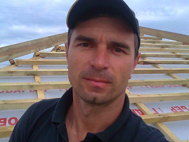 https://ukrtermodom.com.ua/wp-content/uploads/2020/05/hc-foreman-roofer-640x480.jpg