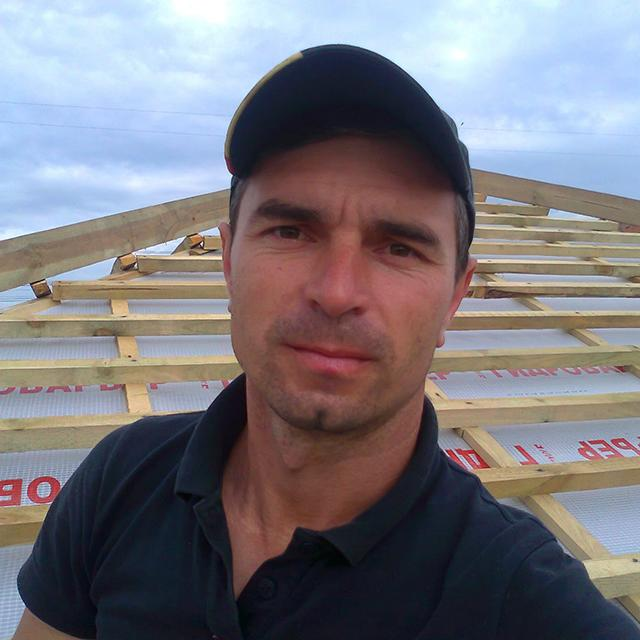 https://ukrtermodom.com.ua/wp-content/uploads/2020/05/hc-foreman-roofer.jpg